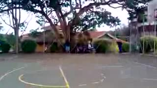 Warm up dunks at the park - Video