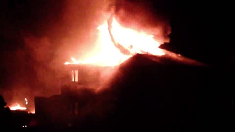 Fire department helpless as house fire rages out of control