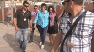 Rolling Stones Band Members Visit Jerusalem Holy Site - Video