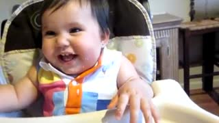 Adorable baby cracking up - Video