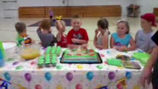 Bye bye birthday cake - Video