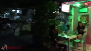 Hidden Karaoke Bars In Ratchada - Video