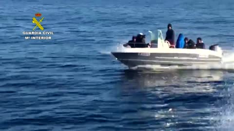 People Smugglers In Speed Boat Try To Outrun Spain Cops