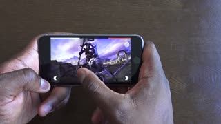 Tech review: Gaming on the iPhone 6S - Video
