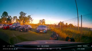 Car Part Thieves Caught on Dashcam - Video