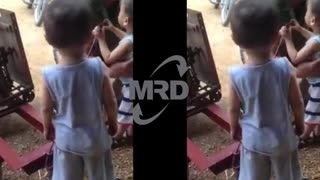 Baby cute - No problem, 2 baby is operating a machine - Video