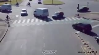 Whatsapp Funny Videos_Amazing Driving - Video