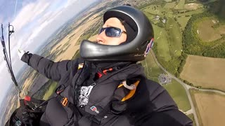 Paragliding Dunstable Downs - Video