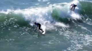 Cool surfing footage in slow motion - Video