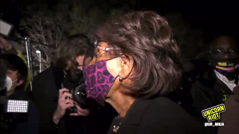 """""""Get More Confrontational"""" Maxine Waters Riles Up Crowd, Prejudges Chauvin Trial"""