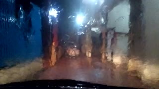 Stuck in car due to heavy rain - Video