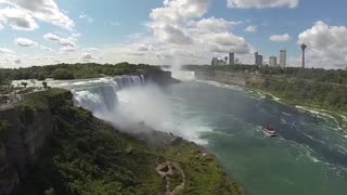 Enormous size of Niagara Falls from the US side - Video