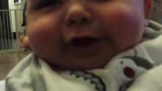 4 Month Old Baby Saying Hiya - Video