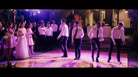 Bridesmaids And Groomsmen Deliver Epic Dance Routine