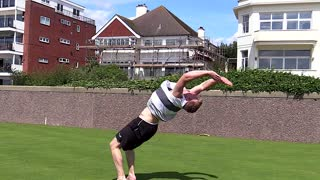 Parkour team performs high-flying stunts - Video
