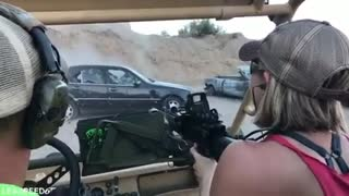 I love machine guns! - Video