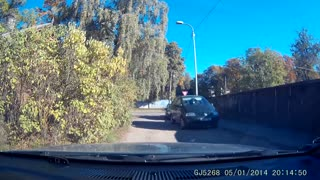 Reckless Driver Runs Red Light And Causes Crash - Video