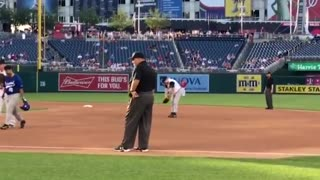 Steve Scalise rocks the crowd, throws first pitch one year after shooting - Video