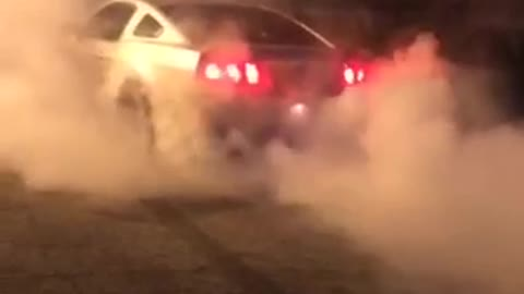 V6 mustang gone wild on burnout