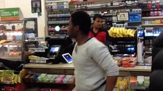 Fight at 7 Eleven NYC - Video
