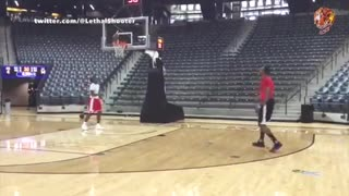 Dwight Howard Tries To Play Point-Guard, FAILS Miserably - Video