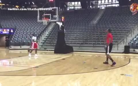 Dwight Howard Tries To Play Point-Guard, FAILS Miserably