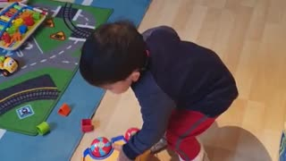 Alexander Learns to Play - You can't help laughing