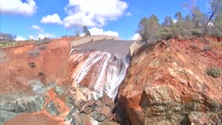 Lake Oroville Spillway February 27, 2017 - Video