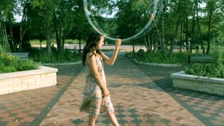 Hula hoop dance combo tutorial - Video