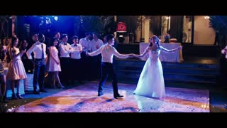 Newlyweds Perform Spectacular First Dance At Wedding - Video