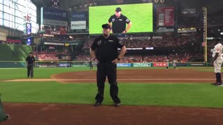 Security guard at Houston Astros' game bust out epic dance moves