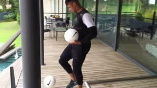 VIDEO: Barcelona superstar Neymar challenges Ronaldo with amazing new skills - Video