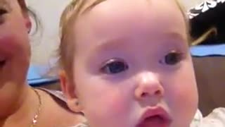 Baby girl 'beatboxes' for the camera - Video