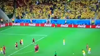 David luiz goal vs colombia ! Amazing goal - Video
