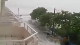 Incredible footage of Hurricane Patricia's disastrous impact - Video