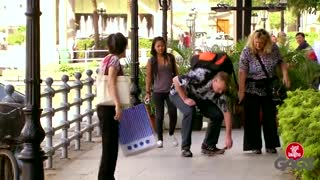 Instant Knife Attack Prank - Video