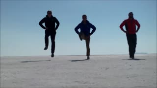 3 Irish guys dancing around the world! - Video
