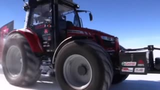Woman attempts trip to South Pole...in a tractor - Video