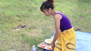 Yummy cooking soup black chicken recipe _ Cooking skills _ Khmer Survival Skills