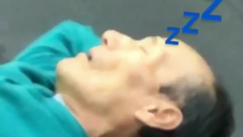 Elderly man caught napping at the gym