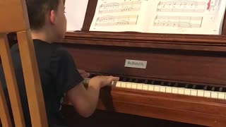 Sad Pianist Cries His Way Through His Music Practice - Video