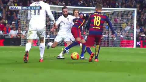 Neymar Humiliates Carvajal and he reply with a tackle