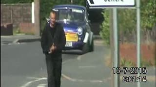 Footage showing benefits cheat Stephen Mountord walking - Video