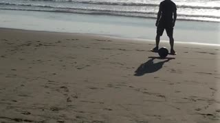 Riding one wheel board on beach - Video