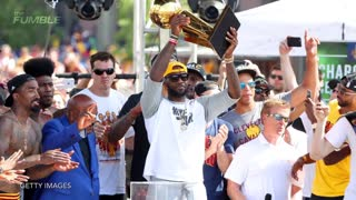 LeBron James Pays For 5,000 Families To Go To Amusement Park - Video
