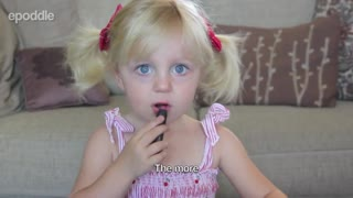 2-year-old gives adorable makeup tutorial - Video