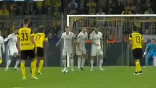 VIDEO: Cristiano Ronaldo Hand Ball Against BVB