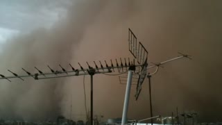 Apocalyptic dust storm hits Tehran, Iran - Video