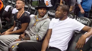 Carmelo Anthony Privately Recruiting Kevin Durant to the Knicks - Video