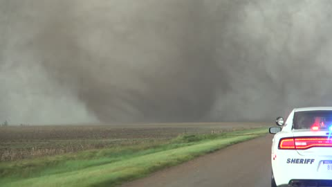 Extreme close range footage of tornadoes in Kansas